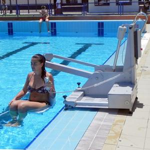 Sillas para piscina discapacitados madrid for Sillas de piscina